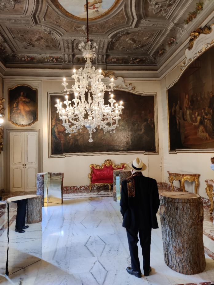 Alberi - Divisione e moltiplicazione dello specchio, 1973 - 2020 installazione site specific di 8 elementi nella sala al piano nobile (zona privata del Palazzo) alla presenza di Michelangelo Pistoletto