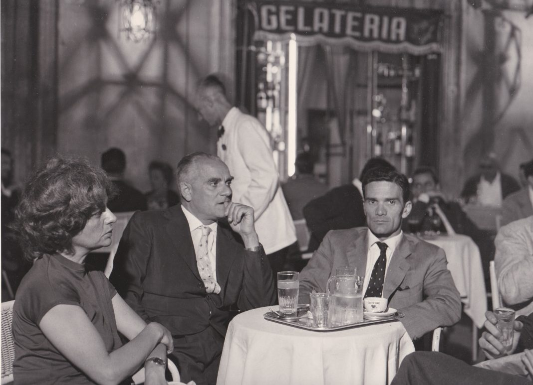 Agenzia Dufoto Pasolini Alberto Moravia ed Elsa Morante a Roma nel 1962_Courtesy Collezione Giuseppe Garrera