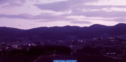 Maurizio Nannucci – Something happened