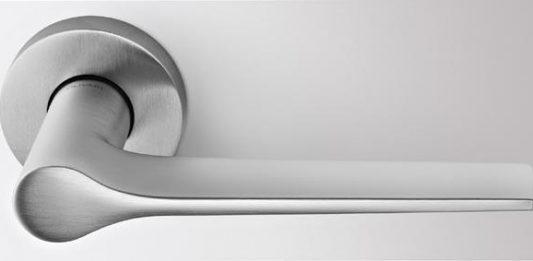 Macchina semplice. Dall'architettura al design 100 anni di maniglie Olivari