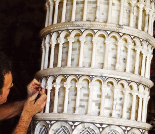 Torre Pendente in alabastro di Volterra