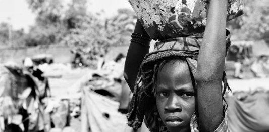 Black&Water – Burkina Faso: il paese dove l'acqua si misura in chilometri