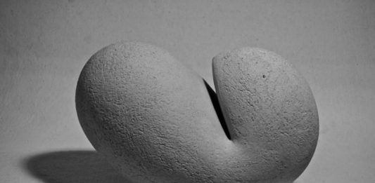 Myriam Maier – Sculture in ceramica