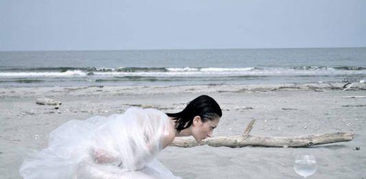 Giovanna Lacedra – Come il mare in un bicchiere
