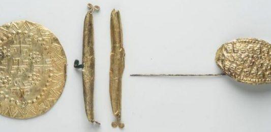 Tesori per l'aldilà La Tomba degli Ori di Vulci. Dal sequestro al restauro