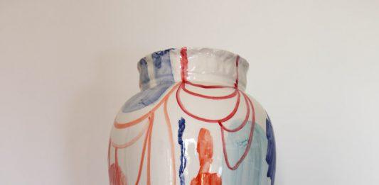 Di vaso in vaso raccogliere frammenti indecisi