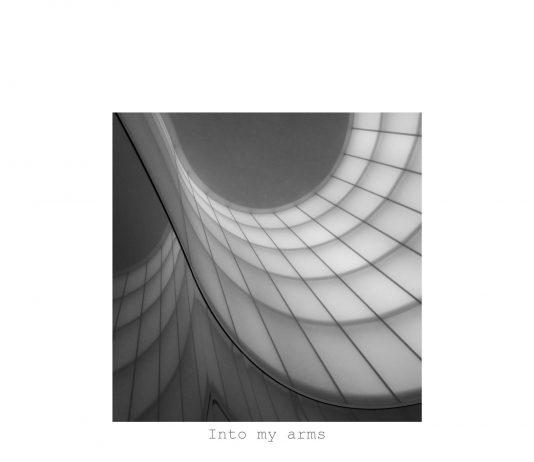 Gruppo E: Into my arms