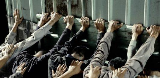 Please come back. Il mondo come prigione?