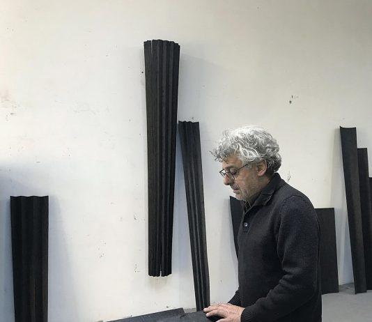 Nunzio – Giallo di Napoli Nero Pece Blu Cobalto