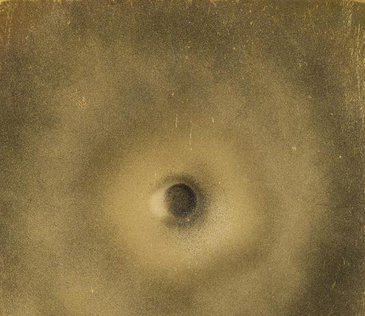 Black Hole. Arte e matericità tra Informe e Invisibile
