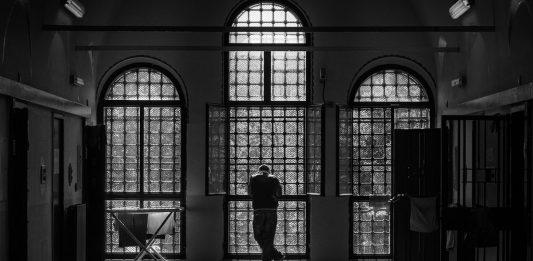 ti Porto in Prigione: In transito. Un porto a San Vittore