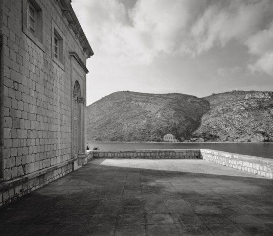 Memory for the Future: The Villa of Dubrovnik photography Damir Fabijanic | Nude drawing Ljubo Ivancic