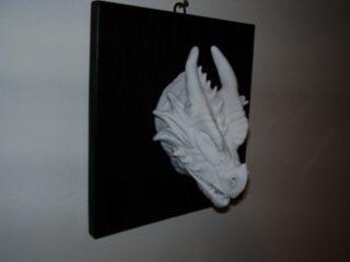 """- CERAMICS SCULPTURE'S -  Testa di drago n.ro 1, realizzata in ceramica di Sevres nell'ottobre 2007. Opera in mostra presso la collettiva """"SEGNI 20 X 20"""" al Maneggio Chiablese (dal 06/12 al 30/12)."""