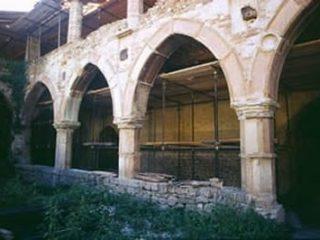 Corte interna del Castello di Beldiletto a Pievebovigliana (MC) XIV secolo