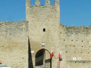 Porta Picena e fortificazioni contigue  XIV e XV sec.